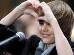 Fãs de Justin Bieber explicam o sucesso do astro pop de 16 anos