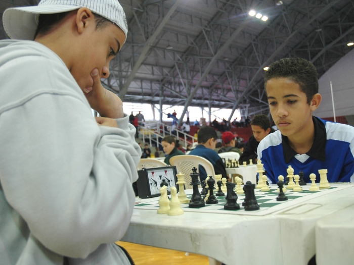 http://i2.r7.com/xadrez-campeonato-prefeitura-tl-700x525.jpg